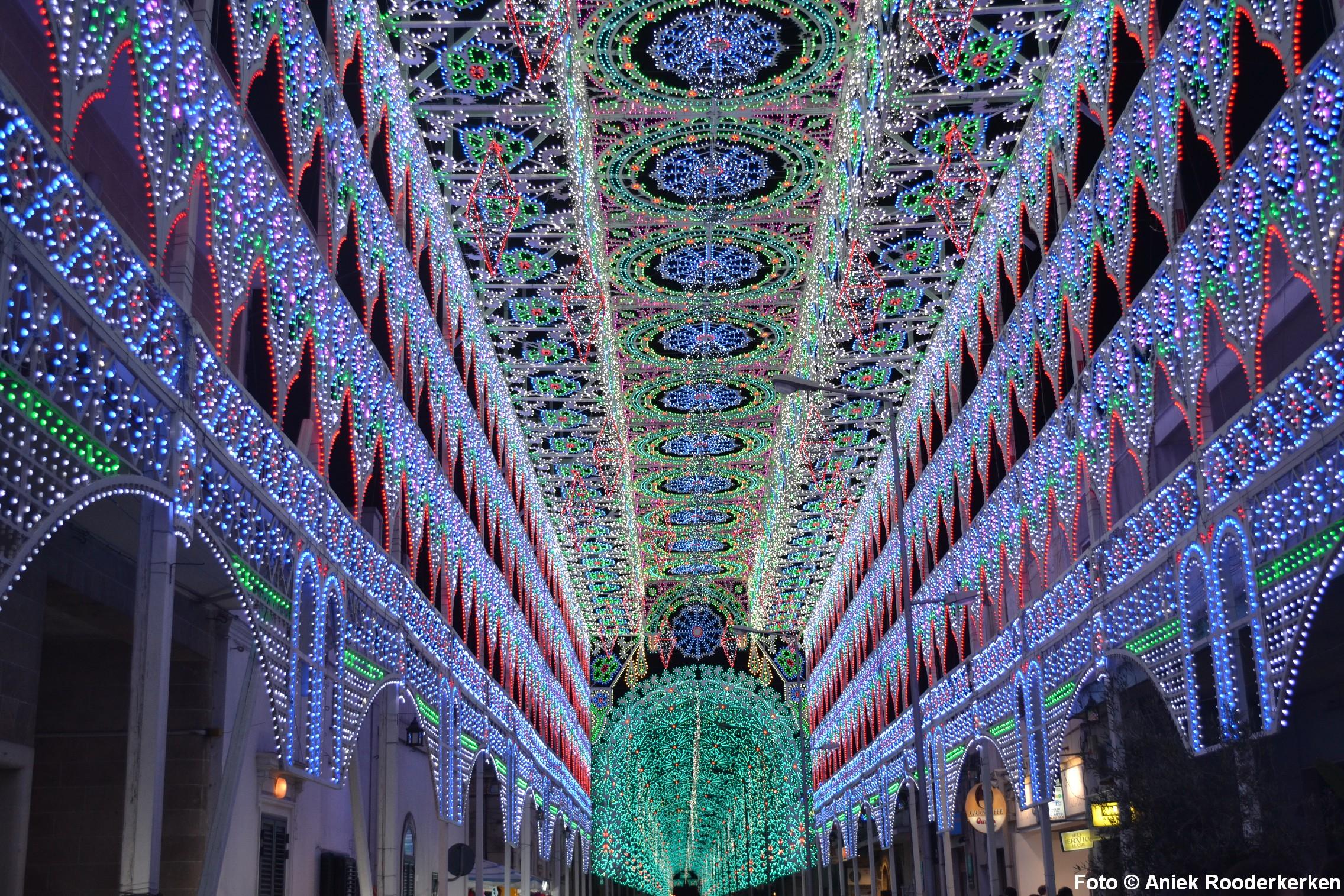 Scorrano lichtshow festival Scorrano lichtshow / lichtfestival, Puglia, Italie Uitgelicht