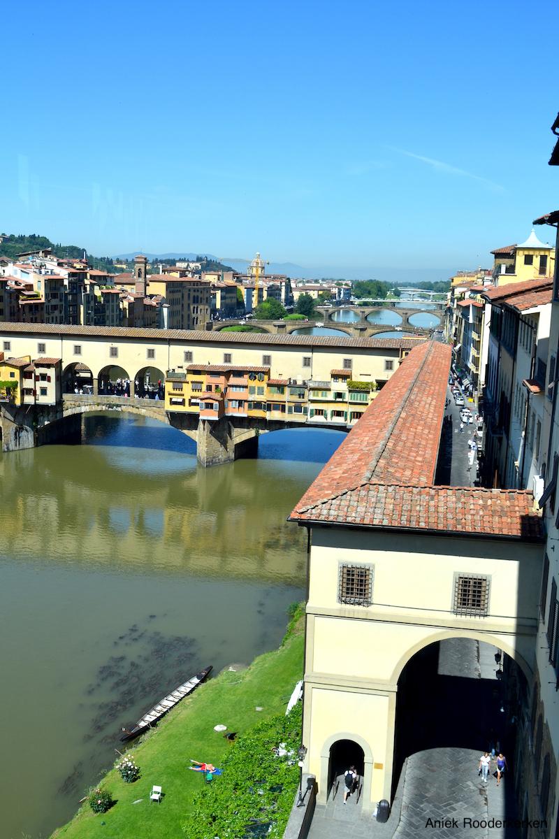 Ponte Vecchio en de Corridoio Vasariano in Florence