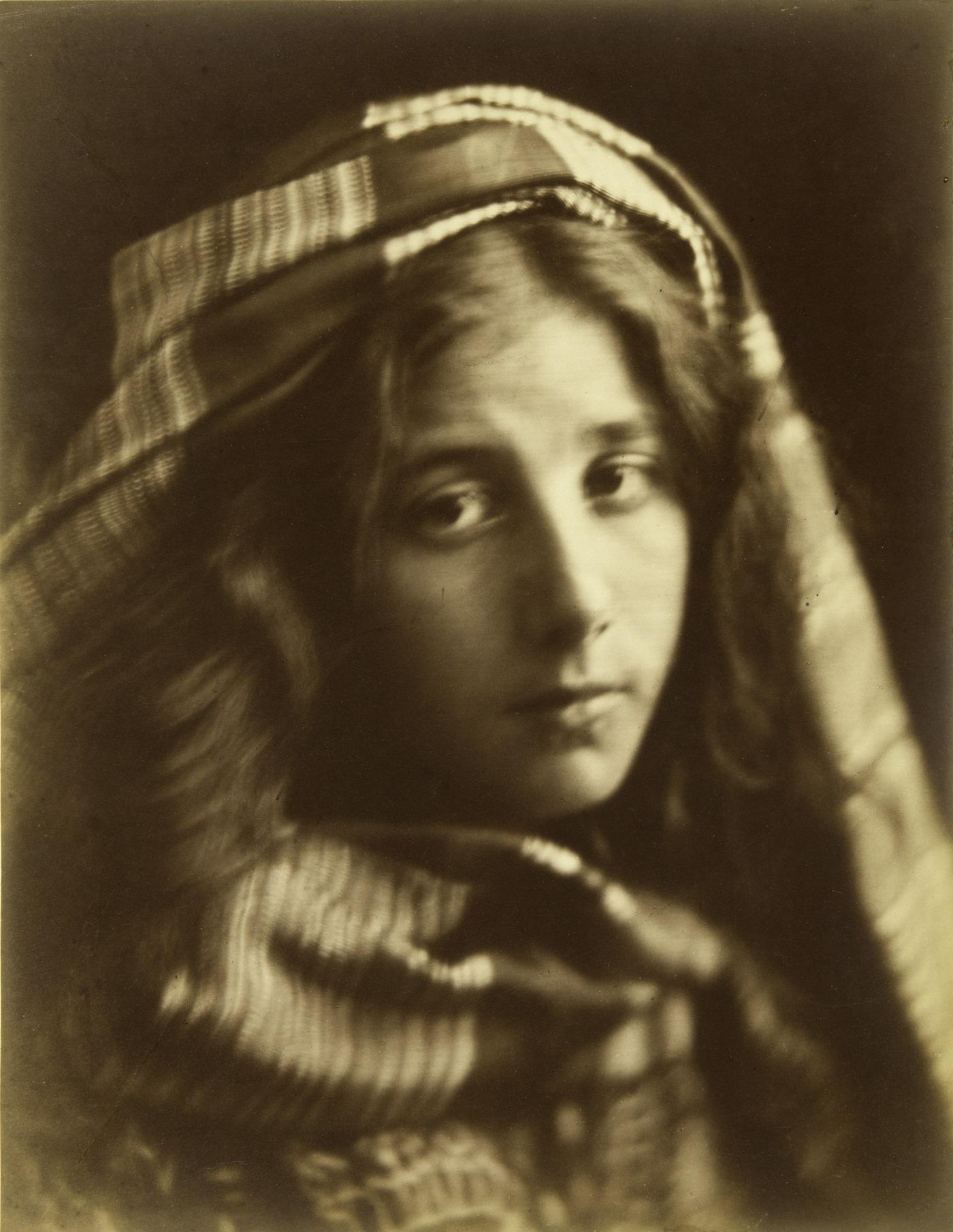 Julia Margaret Cameron (1815–79), Een studie van de Cenci, 1868, Albuminedruk, Hans P. Kraus, Jr. Fine Photographs, New York