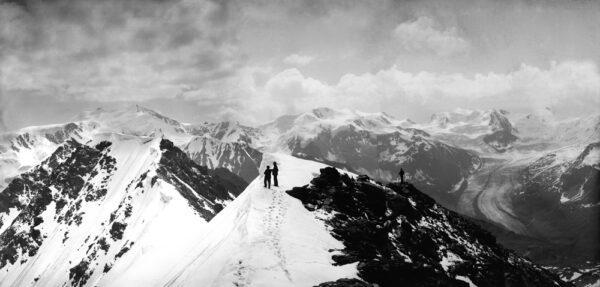 Vittorio Sella, foto gemaakt vanaf een van de toppen van Monte Forno, 3262 meter, 21 juli 1887