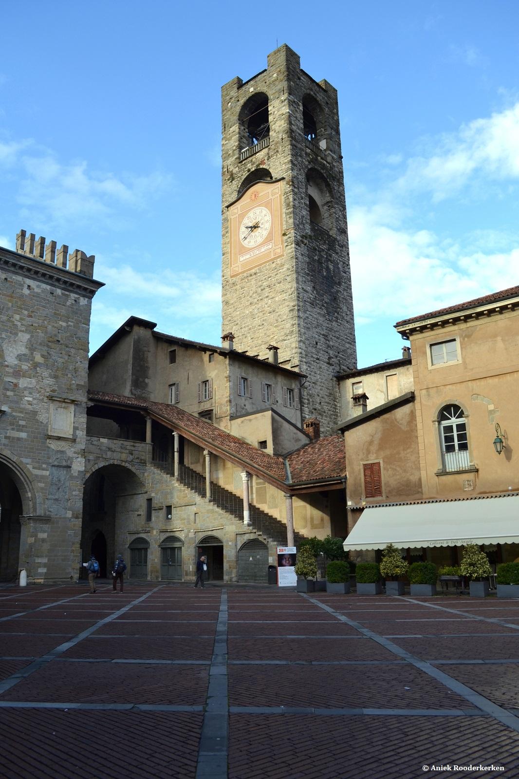 Piazza Vecchia met de klokkentoren