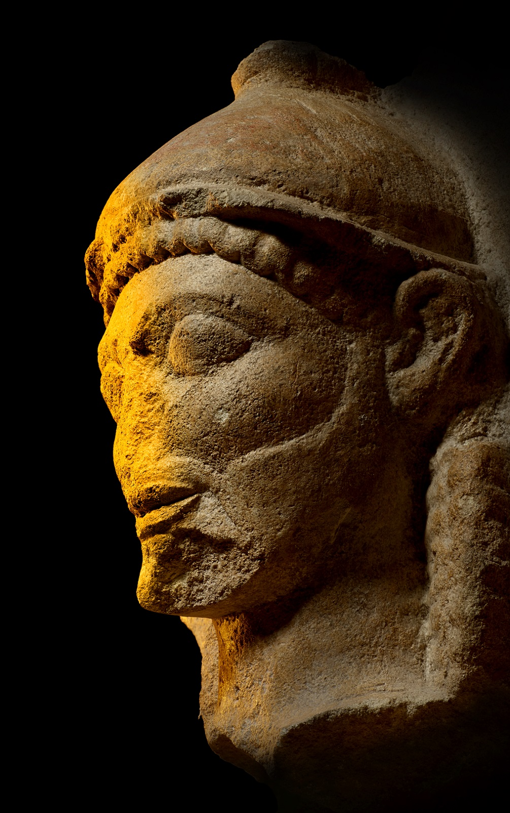 Klein kalkstenen buste van een tempel, Sicilië, c. 540-510 v.Chr. Museo Archeologico Regionale A Salinas, Palermo, © Regione Siciliana.