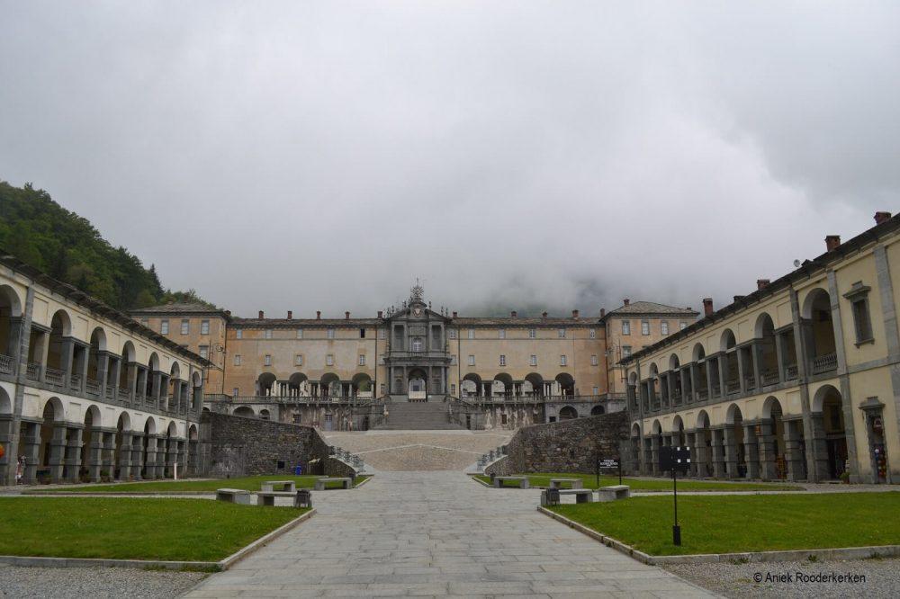 Santuario di Oropa in de mist