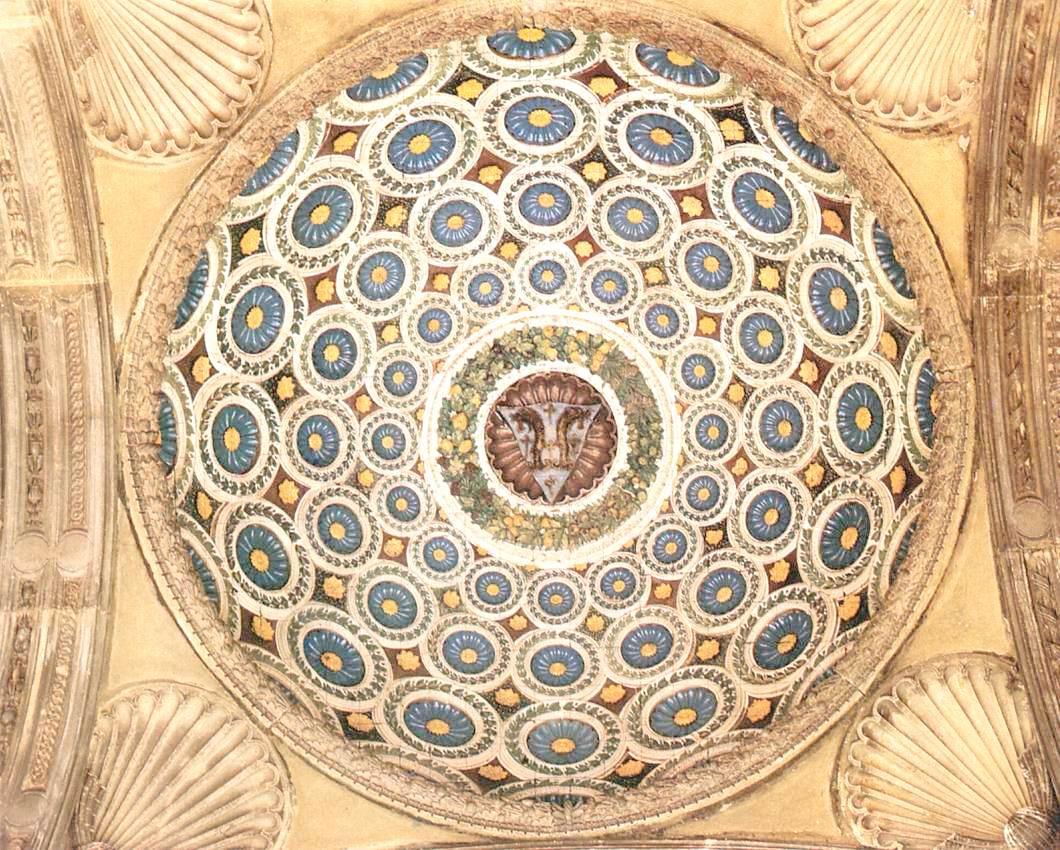 Pazzi Kapel, Santa Croce, Florence. Detail van de koepel van de Portico. Luca della Robbia