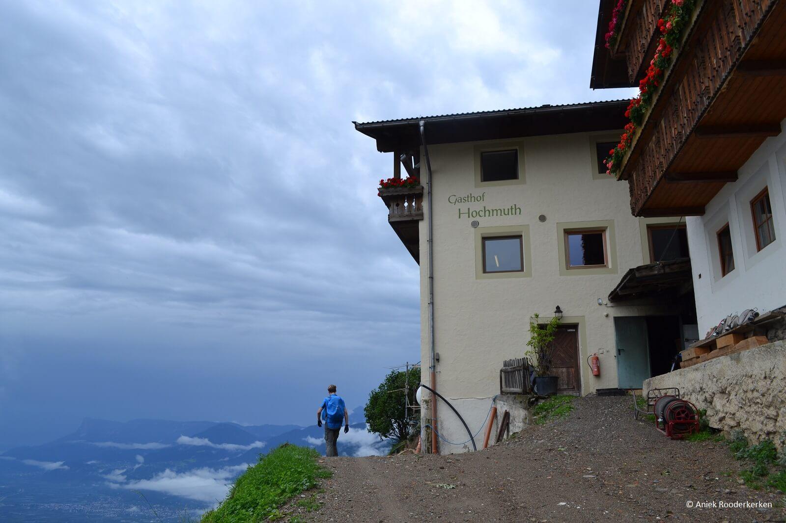 Gasthof Hochmuth aan de Alta Via di Merano, Zuid-Tirol, Italië