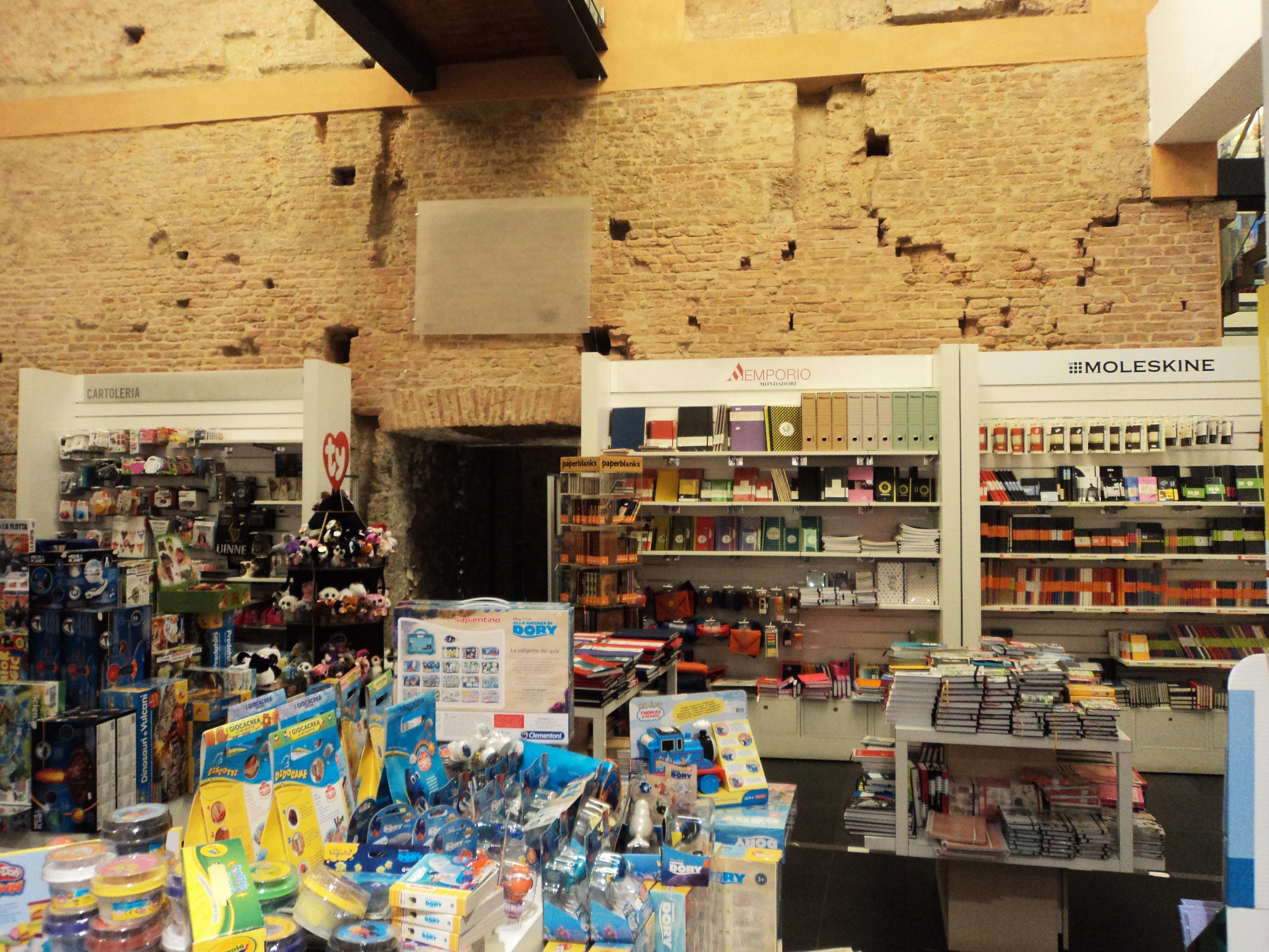 Boekwinkel in Torre Galluzzi