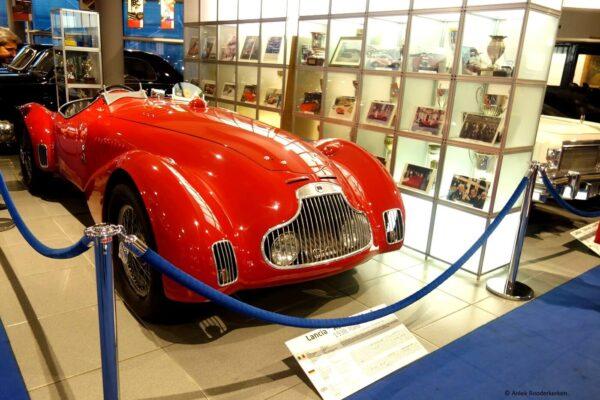 Lancia Astura Spider uit 1938 in Museo Nicolis