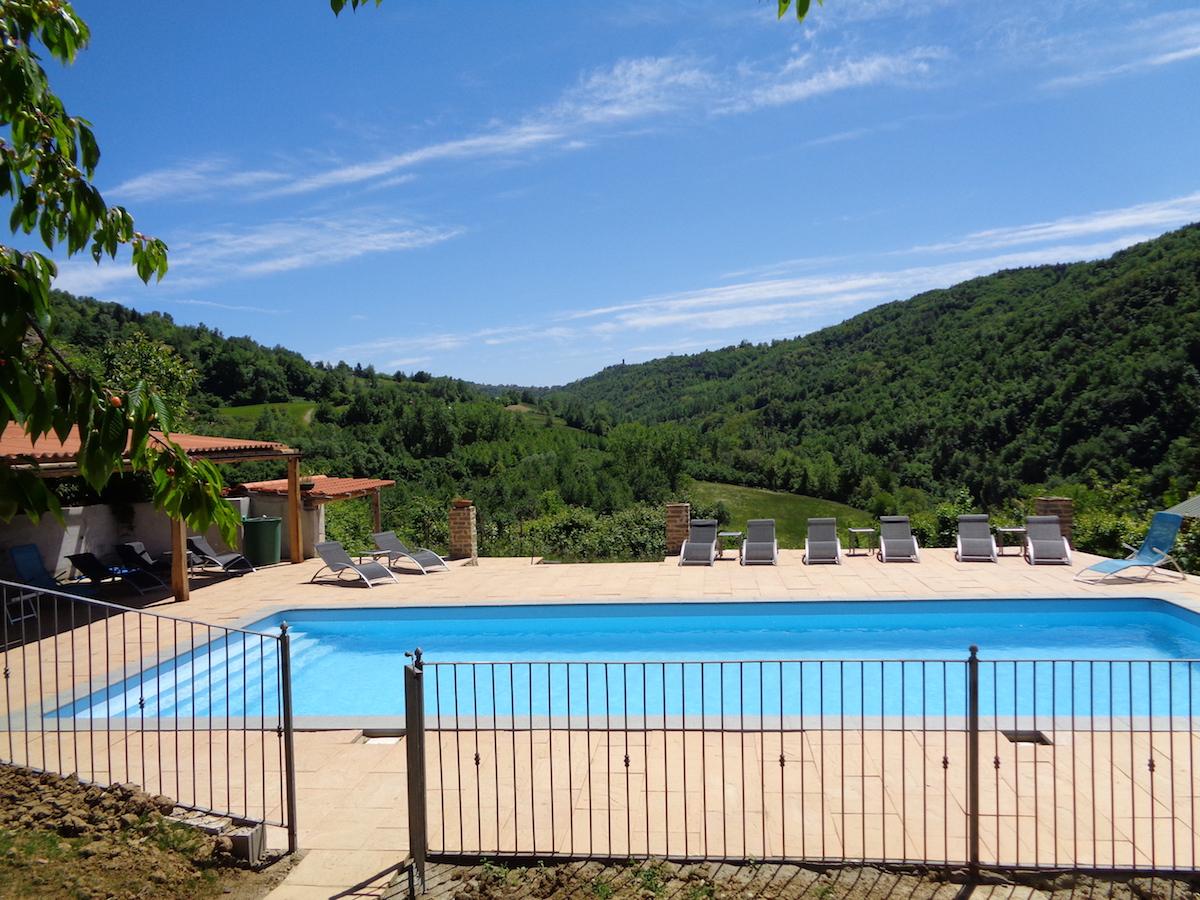 Zwembad van Vecchia Borgata I Muri in Piemonte