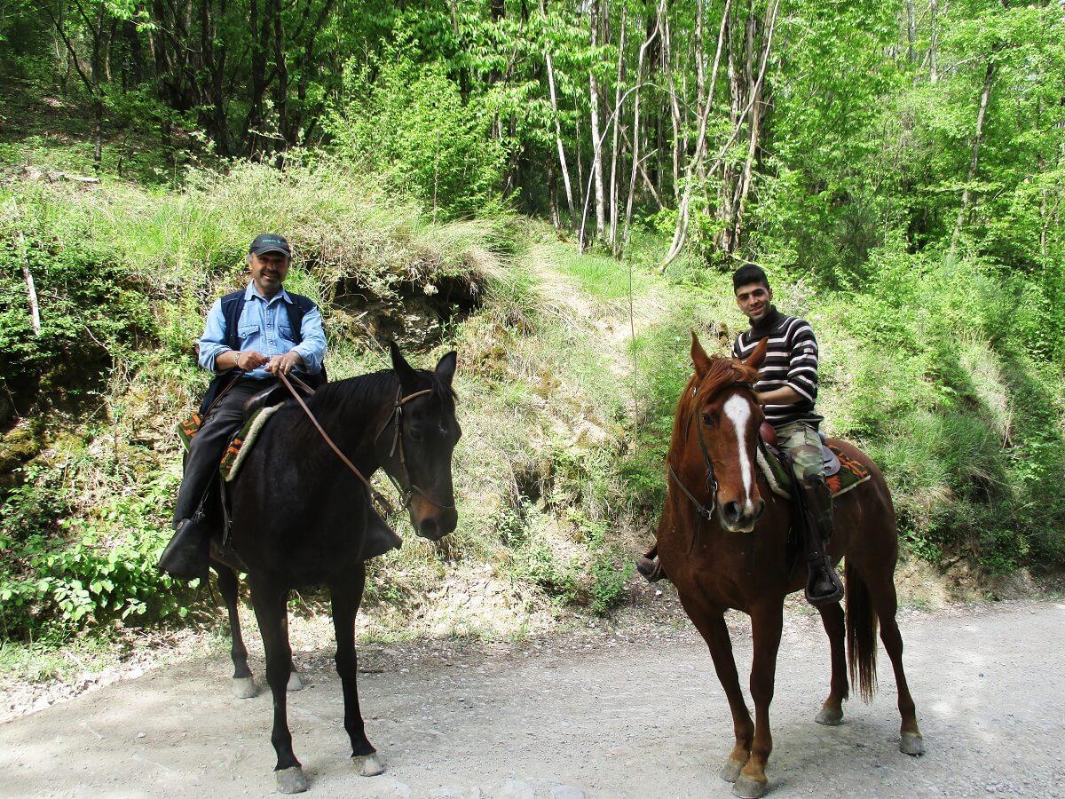 We krijgen zelfs het aanbod een deel van de route te paard af te leggen!