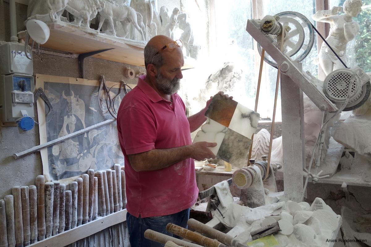 Vier soorten albast: agata, scaglione, pietra a marmo en bardiglio