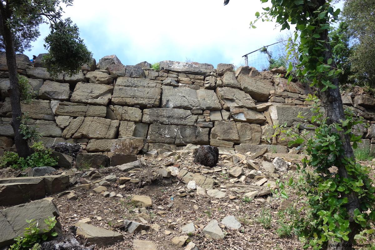 Etruskische Muur in Populonia
