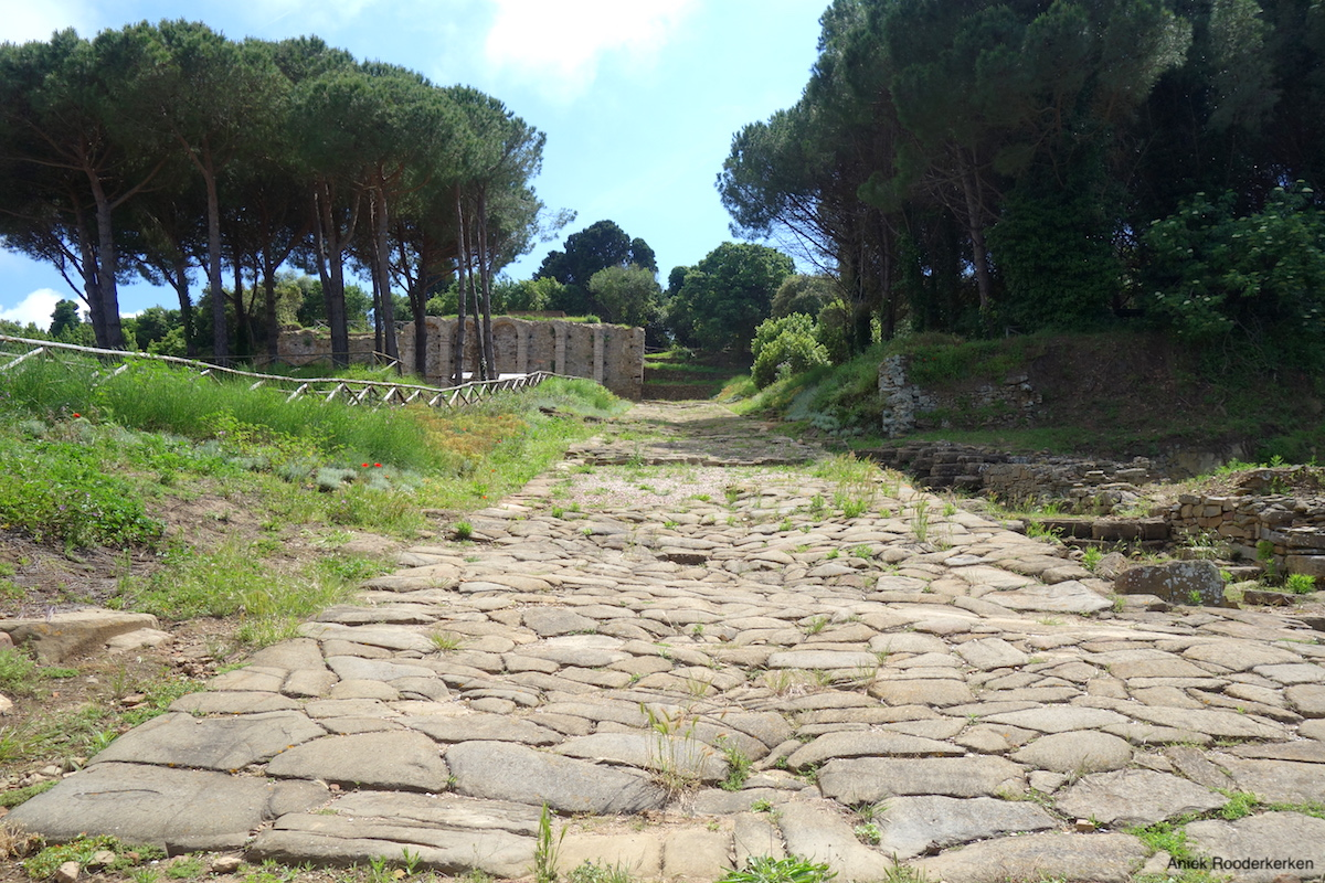 Romeinse weg bij de Etruskische site van Populonia
