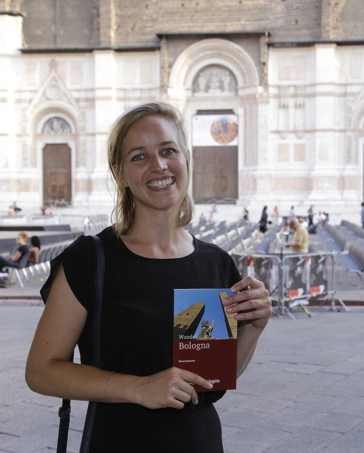 Merel presenteert haar reisgids Wandelen in Bologna