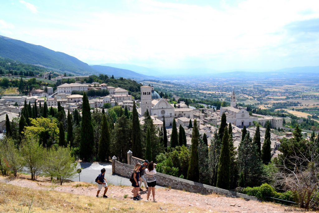 Panorama over Assisi. Alle tips voor een stedentrip Assisi