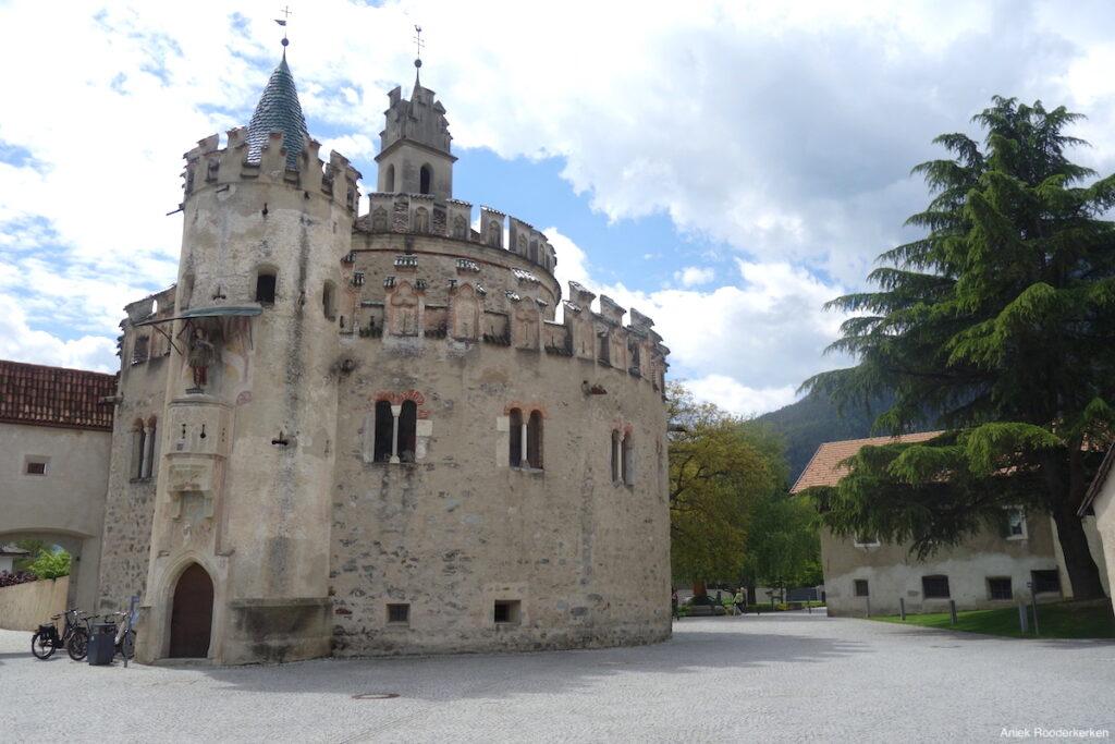 Castel Sant'Angelo / Engelsburg van het klooster van Novacella