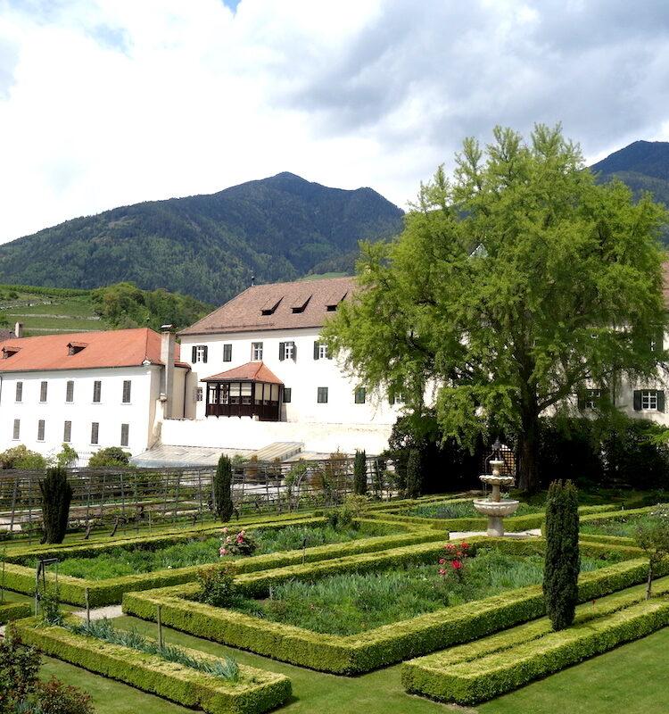 Kloostertuinen van de Abbazia di Novacella / het klooster van Neustift