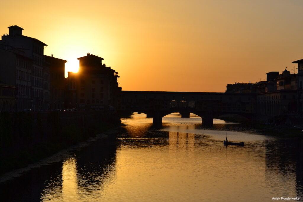 Zonsondergang Florence over de Arno