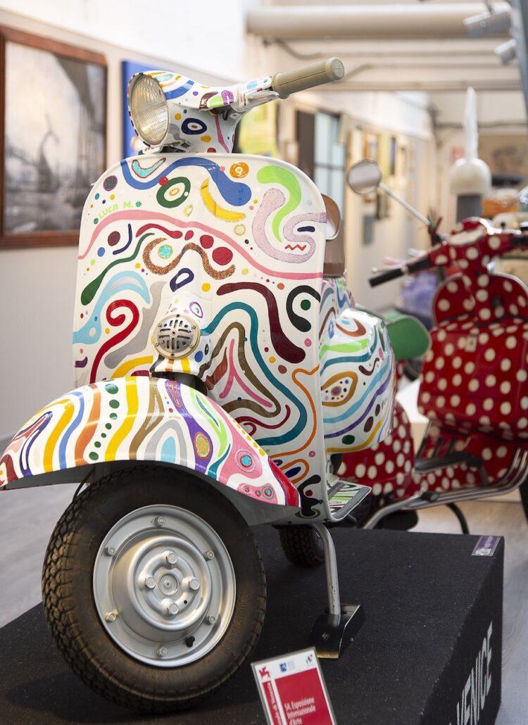 Vespa in het Piaggio Museum in Pontedera
