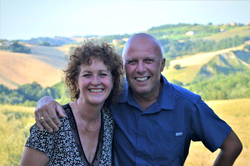 Frans van den Bor en Carolien Fontijn van B&B Casa dei Colli in Mergo, Le Marche