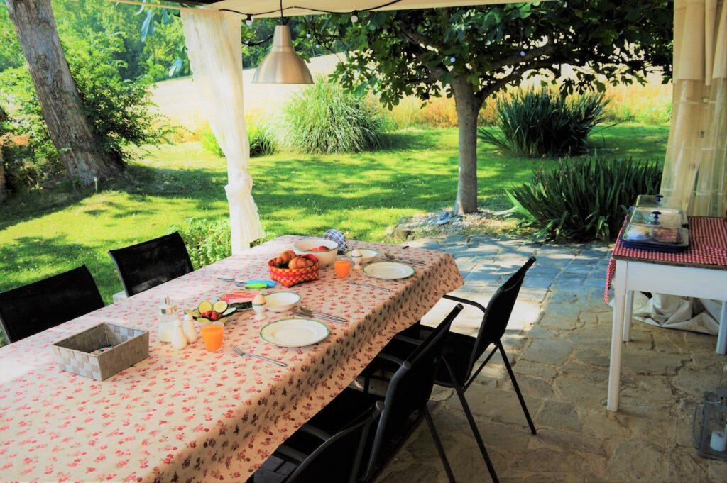 B&B Casa dei Colli, ontbijt op het terras