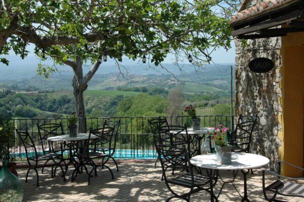 Vista sull'oliveto. Een b&b in het authentieke Zuiden van Umbrië, Italië
